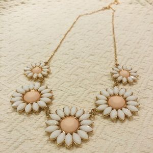 Jewelry - 5/$30 Pink & White Floral Necklace